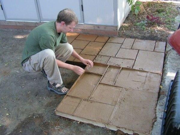Как сделать бетонную плитку своими руками 14